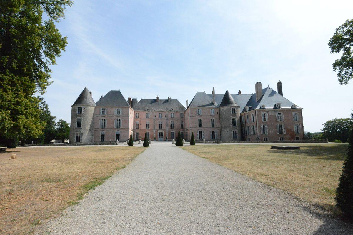 Замок Мен-сюр-Луар (Château de Meung-sur-Loire)