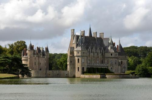 Замок Бретеш (Chateau de la Bretesche)