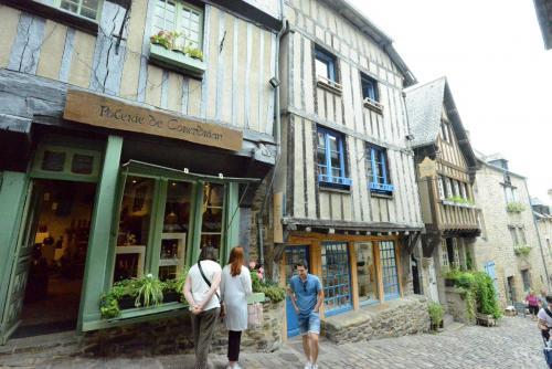 Динан, средневековый город в Бретани 11