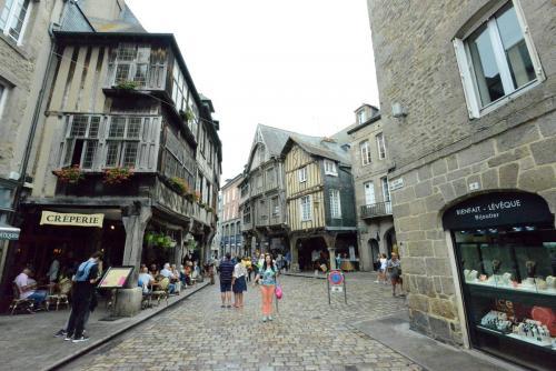 Динан, средневековый город в Бретани 13